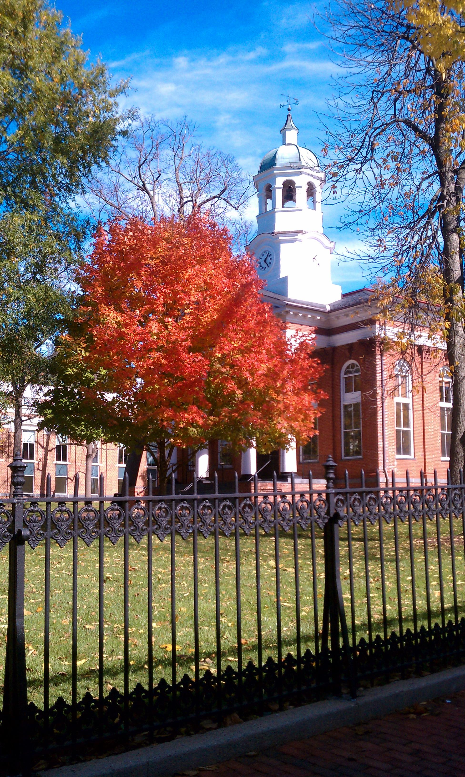 Leesburg Loudoun County courthouse in autumn