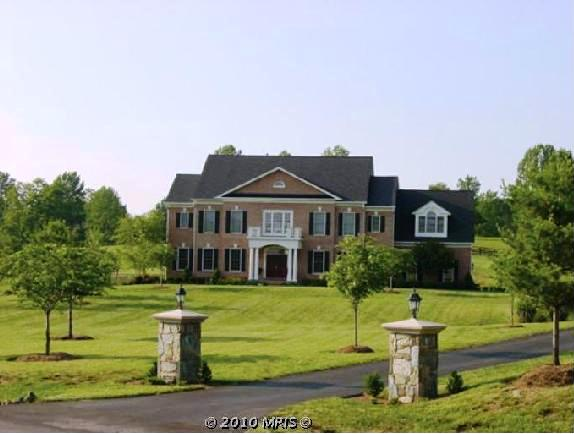 Estate home in Beacon Hill, Leesburg